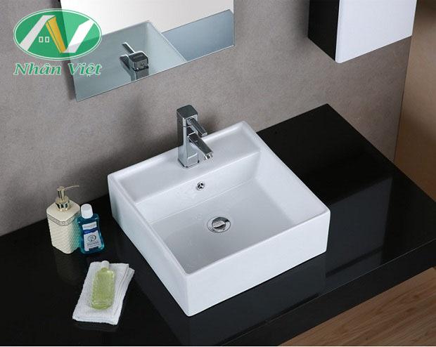 Lavabo đặt bàn được thiết kế sang trọng, phù hợp với nhiều không gian